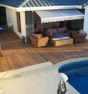 Low Set Deck coming into a Pool Area