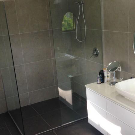 paragon-renovations-hall-bathrooms-07