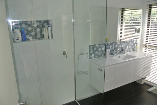 paragon-renovations-bathroom-renovations-model-11