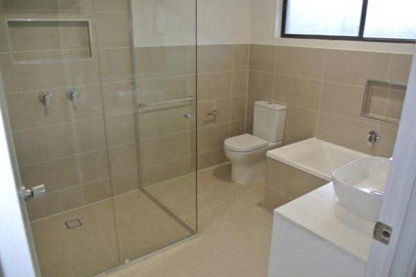 paragon-renovations-bathroom-renovations-model-12
