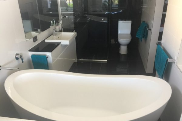 paragon-renovations-bathroom-renovations-model-13