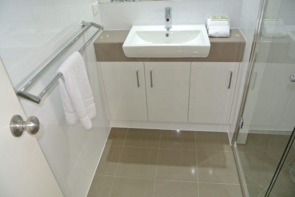 paragon-renovations-bathroom-renovations-model-14