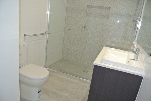 paragon-renovations-bathroom-renovations-model-25